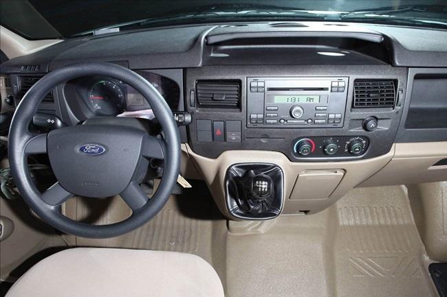 Ford-Transit-2016-10
