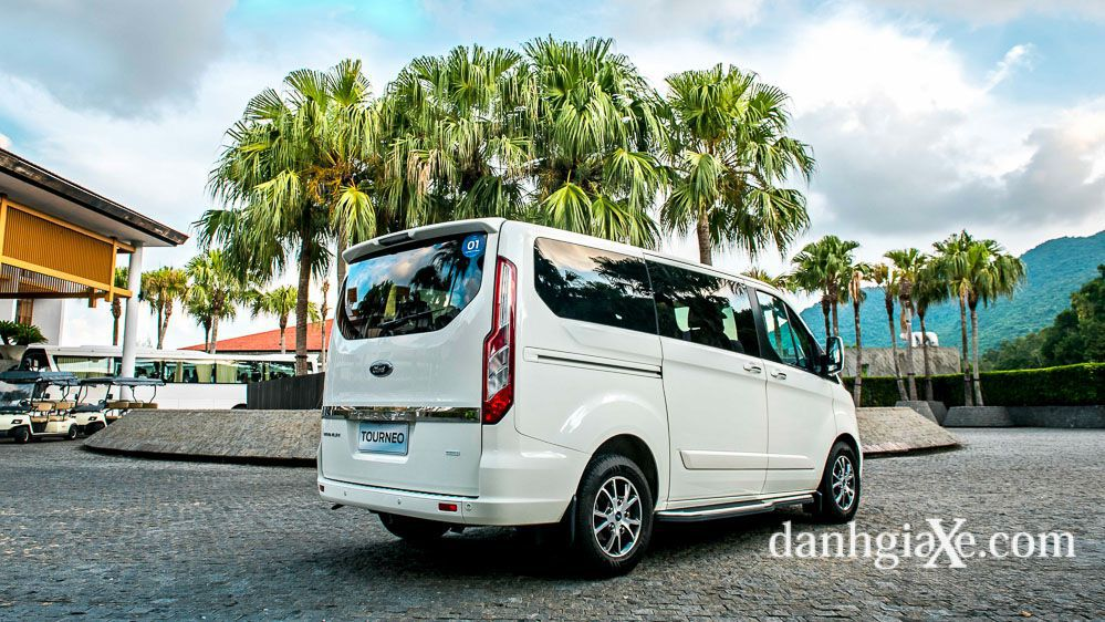 ford-tourneo-12.jpg